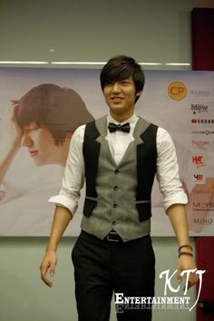 Lee Min Ho, 20101015, Press interview before meeting fans in Thailand.