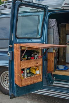 Caravan Storage İdeas 560346378631533143 - Use of every bit of storage in the van – van back door storage with flip up table, from Vantastic Voyage. Could work in a campervan, motorhome or even a tiny house or shed project. Source by devinemiriam Truck Camper, Kombi Food Truck, Kombi Motorhome, Camper Life, Rv Campers, Bus Life, Vintage Motorhome, Mini Camper, Cargo Van Conversion