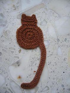 "crochet cat bookmark ~ free pattern from ""Cute & Kaboodle"" Crochet Bookmark Pattern, Crochet Bookmarks, Crochet Books, Crochet Gifts, Crochet Motif, Crochet Flowers, Crochet Patterns, Crochet Designs, Knitting Patterns"