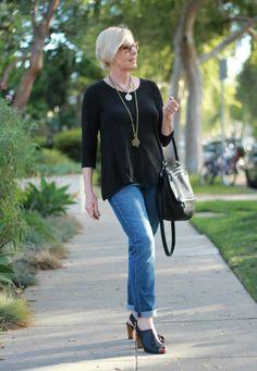 une femme d'un certain âge - Style, Lifestyle, Travel for Women Over 50