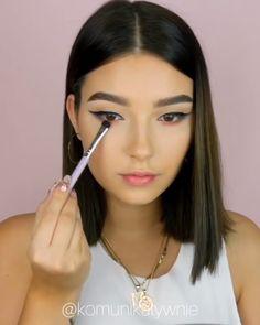 10 Makeup Tips to Make You Look Gorgeous! Diy Makeup, Makeup Art, Makeup Tips, Elegant Makeup, Simple Makeup, Makeup Beauty Room, Beginners Eye Makeup, Power Of Makeup, Easy Makeup Tutorial