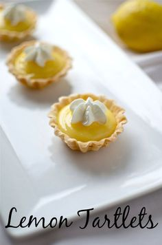 Tis Lemon Tartlets recipe is a tart and delicious dessert made with our homemade lemon curd which is amazing. Make this dessert recipe today. Lemon Desserts, Lemon Recipes, Mini Desserts, Just Desserts, Sweet Recipes, Baking Recipes, Delicious Desserts, Yummy Food, Cold Desserts