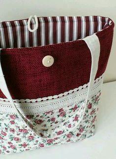 Le sac en toile - mode et praticité - Archzine. Handmade Purses, Handmade Handbags, Handmade Fabric Bags, Patchwork Bags, Quilted Bag, Sacs Tote Bags, Mk Bags, Diy Sac, Craft Bags