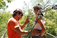 LA SEGURIDAD EN TIROLESA - http://aktun-chen.com/es/blog/safety-on-a-zip-line.html