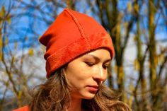 Sew this simple hat in less then 5 minutes :) Sewing Tutorials, Sewing Projects, Sewing Patterns, Sewing Ideas, Craft Projects, Craft Ideas, Knit Crochet, Crochet Hats, Sewing Elastic