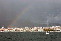 Split under the rainbow