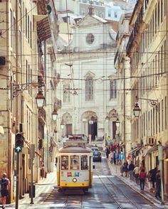 #tram #carroseléctricos #lisbon #lisboa #portugal #europe #2016 #travel #discover #explore #trip #transport #impressive #mustsee #historic #tourism #love #sightseeing #line28 #straßenbahn #elektrisch #lissabon #europa #reisen #entdecken #historisch #beeindruckend #tourismus #sehenswert #städtetrip