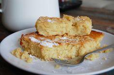 Door het gebruik van amandelmeel en ricotta heeft deze citroencake een smeuïge, kleffe structuur waar wij geen genoeg van kunnen krijgen. Dit combineert geweldig met de frisse smaak van citroen. Nodig genoeg mensen uit, want voor je het weet heb je deze hele cake zelf opgegeten (wij spreken uit ervaring). Let op: voor dit gerecht …