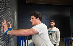If ur a Luke Kuechly fan, then this season probably ended unhappily n off-seasons are hard, so here's some consolation, these rehab photos aren't current but they are a testimony to his dedication. And Physical prowess😍 Enjoy Middle Linebacker, Bae, Luke Kuechly, Panther Nation, Christian Mccaffrey, Panthers Football, Carolina Panthers, Im In Love, Physics
