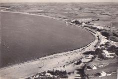 Saint-Denis d'Oléron, la plage de la Boirie et l'hôtel des Bungalows (on peut voir les dits bungalows). Et le front de mer vers la Brée... désert! (1950?) - Ile d'Oléron vintage, Charente-Maritime, France