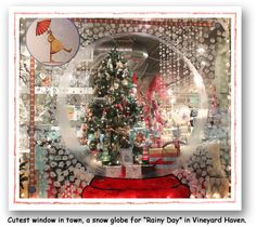 Christmas window display, store window displays ve christmas window decor. Christmas Store, Noel Christmas, Christmas Windows, Store Window Displays, Display Window, Christmas Window Display Retail, Christmas Displays, Retail Displays, Shop Displays