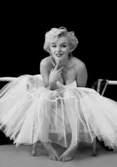 Ballerina Marilyn Monroe; A Friend of mine had this poster in her bathroom directly across from the loo. I love it!