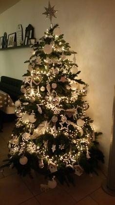 Kerstboom Wit Zilver En Hout Kerstboom Ideeen Kerstdecoratie Kerstboom