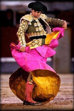The Spanish Matador Demna Gvasalia Vetements, Matador Costume, Spanish Culture, Equestrian Style, Equestrian Fashion, Dressed To Kill, My Heritage, People Of The World, Spanish Style