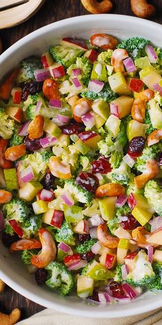 Broccoli, Cashew, Apple and Pear Salad with Cranberries and chopped red onions w. - Broccoli, Cashew, Apple and Pear Salad with Cranberries and chopped red onions with the most delici - Vegetarian Recipes, Cooking Recipes, Healthy Recipes, Apple Salad Recipes, Kefir Recipes, Side Salad Recipes, Chopped Salad Recipes, Vegetarian Appetizers, Appetizer Salads