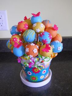 Baby shower, bridal shower, Easter, birthday party . . . the possibilities are endless. Cake Pop Bouquet — let guests take them home as favors.