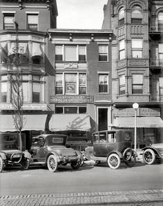 """Washington, D., in Street."""" Typewriters, manicures and a center-door Model T Ford. National Photo Co. Antique Photos, Vintage Photographs, Vintage Photos, Old Pictures, Old Photos, Art Nouveau, Art Deco, Shorpy Historical Photos, Powerful Pictures"""
