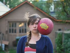 Funny and Heartbreaking Self-Portraits By Kaija Straumanis - Kaija Straumanis a U.S based photographer actually has a immense sense of humour, has gone viral Performance Marketing, Perfectly Timed Photos, Split Second, Drame, Perfect Timing, Photo Series, Photography Projects, Portrait Photography, Color Photography