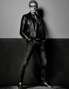 Photographed by Craig McDean, Independence Day: Resurgence actor Jeff Goldblum brings his modern style to the pages of Interview magazine. The actor sports a look right out of his own wardrobe. A fan of Saint … Craig Mcdean, The Fashionisto, Trends Magazine, Le Male, My Guy, Stylish Men, Leather Men, Leather Jackets, Beautiful Men