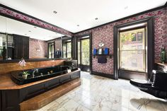 Marilyn Monroe's NYC apartment bathroom has been updated with a jacuzzi.