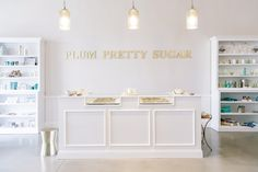 The Picture-Perfect Plum Pretty Sugar Retail Space We're touring Plum Pretty Sugar's new shop and chatting about how she pursued her dreams for her growing business!Pretty Pretty may refer to: Boutique Decor, Boutique Interior, Boutique Design, Hotel Boutique, Boutique Stores, Retail Counter, Store Counter, Schönheitssalon Design, Design Ideas