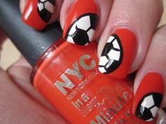 EK voetbal nagels ~ Stap voor stap! on http://www.beautynailsfun.nl/2012/06/ek-voetbal-nagels-stap-voor-stap/