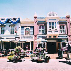 MAIN STREET USA. Disneyland CA. Photographed by Whitney Micaela VSCO GRID #whitneymicaelaphoto