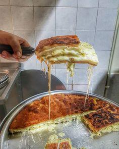 WEBSTA @ endermutfakta - Adana da geceleri sadece Kebap, Ciğer, Şırdan, Mumbar yenmez tabiki. Bunların yanında birde @borekciriza gerçeği vardır.  @yiyelimguzelleselim @gezenayaklarcom ve @milliyiyici ile birlikte Rıza dayız. Herkese iyi geceler, sendromsuz Pazartesiler dilerim. #borekciriza #borek #börek #night #sunday #pazar #foodporn #followfood #follow #delicious #amazing #foodgasm #comeseeturkey #comeseeadana #tasty #yummy #lezzetler #lezzetli