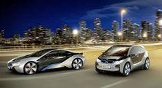 BMW i8 aveva una batteria al litio da 7,2 KWh, stimata per percorrere una distanza di 500 km. Bmw i3, l'idea della Casa di Monaco  è di realizzare una vettura cittadina a propulsione elettrica e quindi che avesse un impatto ambientale diretto pari a zero.