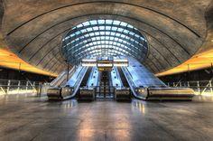 Breathtaking Photos Celebrate 150 Years of the London Tube – Addicted To London Underground Tube, London Underground, Diesel, Metro Subway, Anniversary Photography, Electric, Mind The Gap, January 9, Modern Metropolis