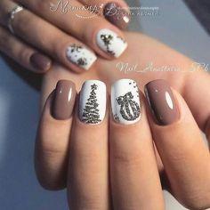 Xmas Nail Art, Cute Christmas Nails, Xmas Nails, Christmas Nail Art Designs, Toe Nail Art, Holiday Nails, Toe Nails, Christmas Ideas, Christmas Glitter