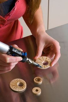 Pyrography - Create your own Jewelery with use from your Dremel Versa-tip.