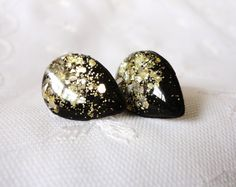 Hey, I found this really awesome Etsy listing at https://www.etsy.com/listing/114003421/jet-black-tear-drop-studs-and-gold