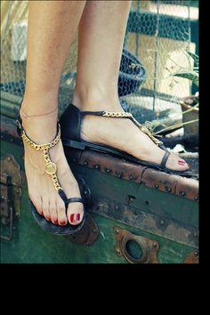 asi viste la directora de moda de Vogue dia VII: sandalias de giuseppe zanotti