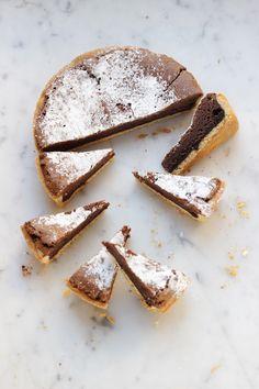Quando mi devo concedere uno strappo alla dieta, lo faccio con qualcosa di esagerato: per esempio, questa torta. Per me è il massimo della golosità: in bocca Italian Recipes, French Toast, Recipies, Sweets, Baking, Breakfast, Desserts, Food, Brunch