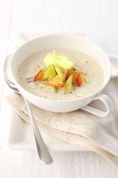 Serviervorschlag für Apfel-Sellerie-Suppe