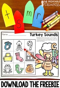 Fall is a great time of year in the primary classroom! Click through to see the great math and literacy centers you can use with your preschool, Kindergarten, or grade students! This post has a particular emphasis on Thanksgiving games and centers for Kindergarten Centers, Kindergarten Reading, Kindergarten Classroom, Literacy Centers, Primary Classroom, Literacy Stations, Kindergarten Freebies, Reading Centers, Thanksgiving Preschool