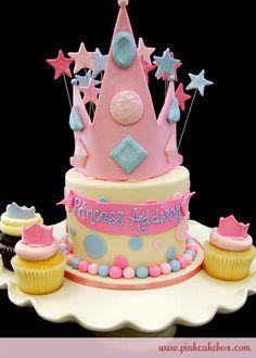 http://images.pinkcakebox.com/big-cake1678.jpg