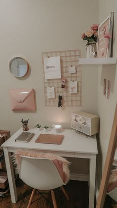 My home office lipstick and bows, bows home office . - My home office lipstick and bows, Home o Study Room Decor, Teen Room Decor, Room Ideas Bedroom, Small Room Bedroom, Home Office Decor, Bedroom Decor, Office Ideas, Office Setup, Office Workspace