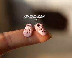 Handmade little baby shoes in incredibly soft pink leather in scale 1:12 by minis2you on Etsy