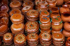 The wonderful earthen pottery of Mexico Mexican Kitchen Decor, Mexican Home Decor, Mexican Kitchens, Mexican Folk Art, Mexican Style, Vintage Pottery, Pottery Art, Mexican Ceramics, Talavera Pottery