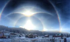 Ice halo phenomena including rare suncave and sunvex Parry arcs, helic arcs, and intense supralateral and infralateral arcs. A rare 'ice halo' was seen above New Mexico has as the arctic blast. New Mexico, 4k Photography, Arctic Blast, Sky New, Sunrise Pictures, 3d Art, Today Images, Sun Dogs, Land Of Enchantment