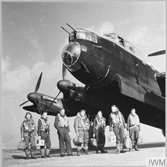 History Pics, Modern History, Homing Pigeons, Lancaster Bomber, Maximum Effort, Ww2 Planes, Ww2 Aircraft, Caption, Wwii