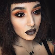 Antique & rust eyeshadows @meltcosmetics  Have you seen the second shadow in the Rust eyeshadow Stack?  Apricot peach yawssss!!!!!!