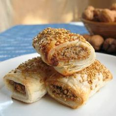 Based on onion, walnuts, almonds and oats, these healthy and delicious vegan sausage rolls look just like regular sausage rolls, and my kids LOVE them.