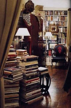 """thesixthduke: """"Books make everything better. """" A very relaxing home library. My preference, however is to make places for all my books, off the floor. Library Room, Dream Library, Nyc Library, Cozy Library, Library Card, Library Design, Cosy Home, Home Libraries, Stack Of Books"""