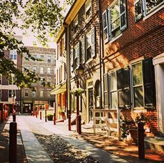 "Cobblestone paved Elfreths Alley in #Philadelphia, PA is often referred to as ""Our nation's oldest residential street."""
