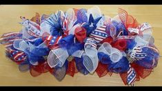 How to make a deco mesh swag for a mailbox, door or centerpiece-Patriotic Deco Mesh Bows, Deco Mesh Crafts, Deco Mesh Garland, Mesh Ribbon Wreaths, Wreath Crafts, Deco Mesh Wreaths, Diy Wreath, Wreath Ideas, Wreath Making