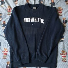 Trendy Sweatshirt Nike Vintage Ideas Source by carscooke Sweatshirts Cute Lazy Outfits, Retro Outfits, Trendy Outfits, Vintage Outfits, Fashion Outfits, Gym Outfits, Winter Outfits, Vintage Nike Sweatshirt, Sweatshirt Outfit