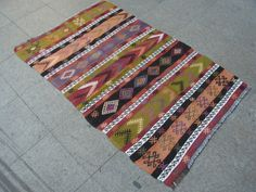 FREE SHIPPING Handwoven Kilim RugVintage Turkish by zkrugs on Etsy